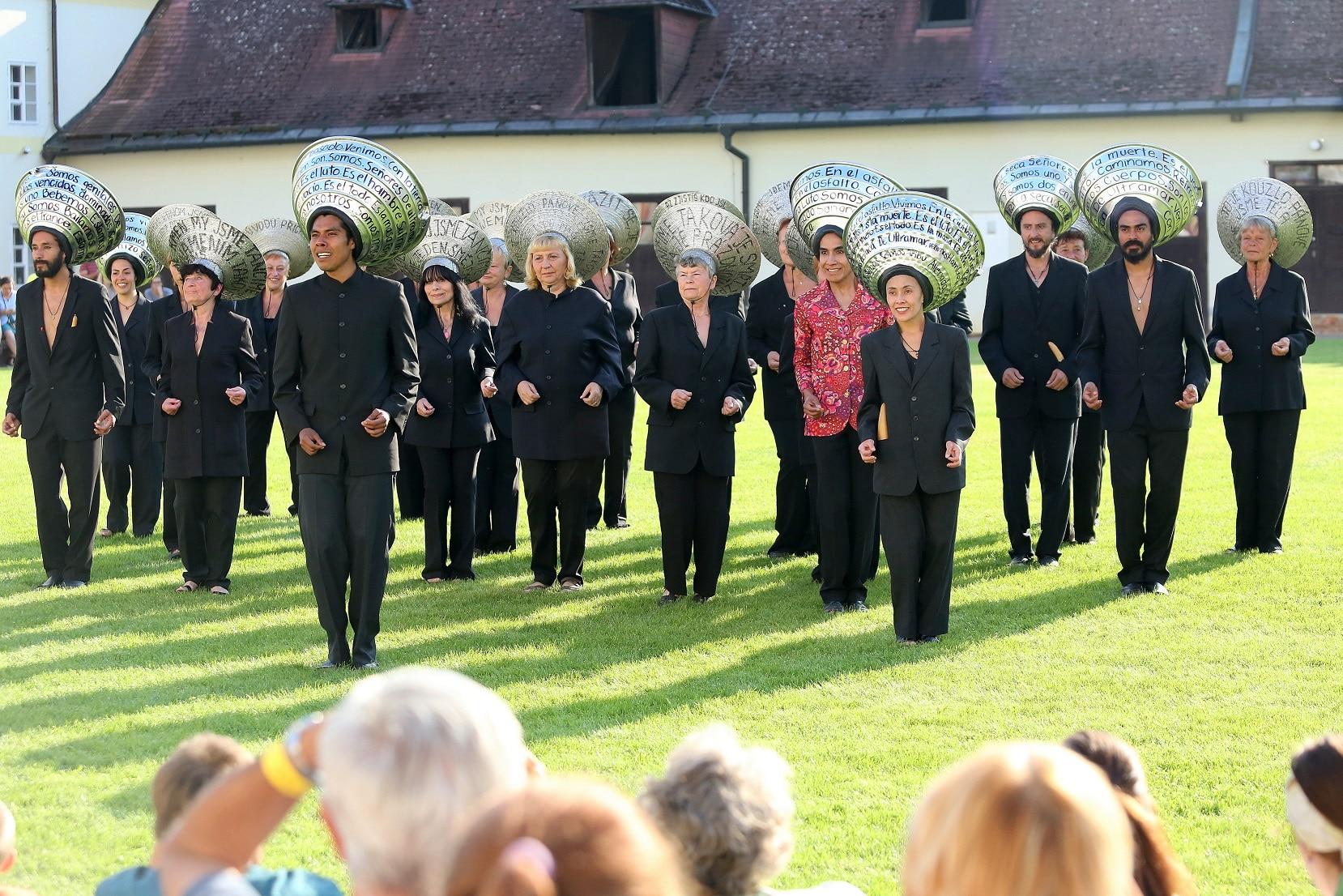 """""""LOStheULTRAMAR"""", danza tribale-contemporanea della Compagnia messicana """"Foco al Aire"""""""