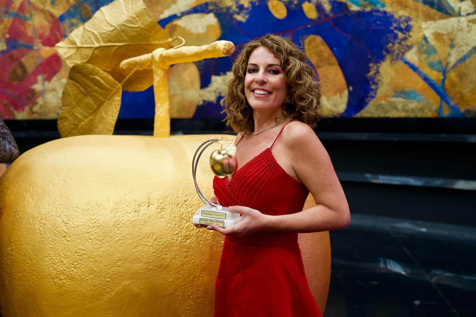 La pianista Cristiana Pegoraro riceve il premio la Mela d'Oro a Roma