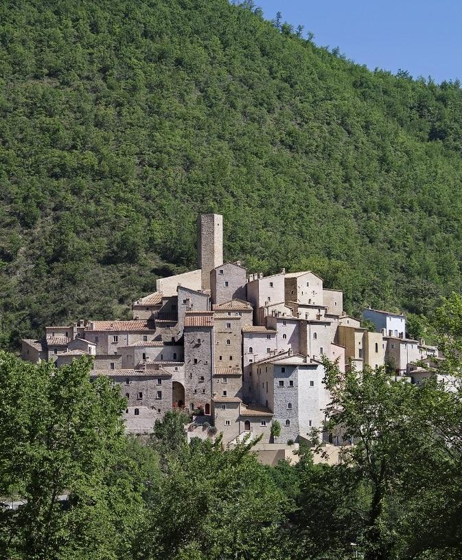 panoramica del borgo di Postignano