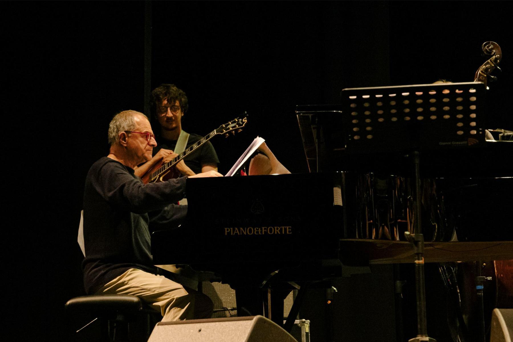 New Talent Jazz Orchestra e Enrico Pieranunzi