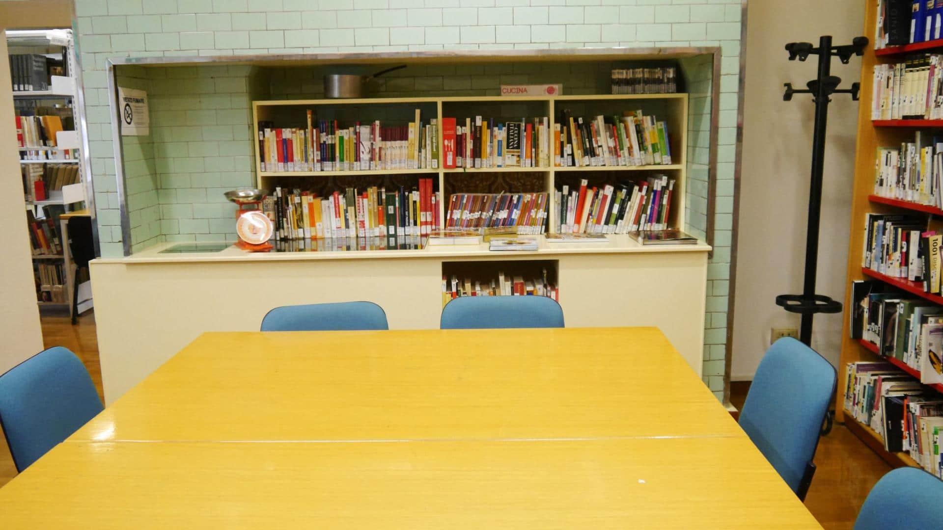 Biblioteca Urbani (6)