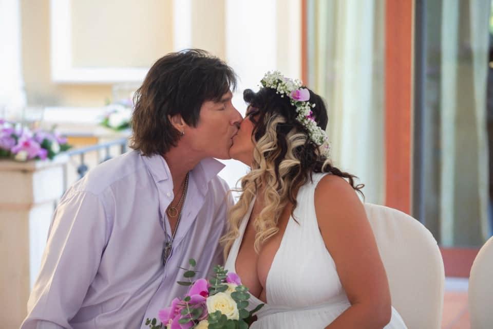 Ronn Moss prima di esibirsi ad Assisi si era risposato a Roccella Jonica