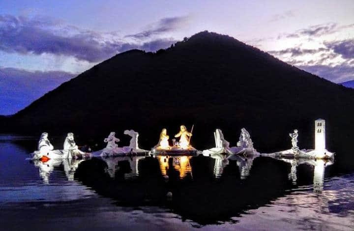 Presepe galleggiante lago di Piediluco