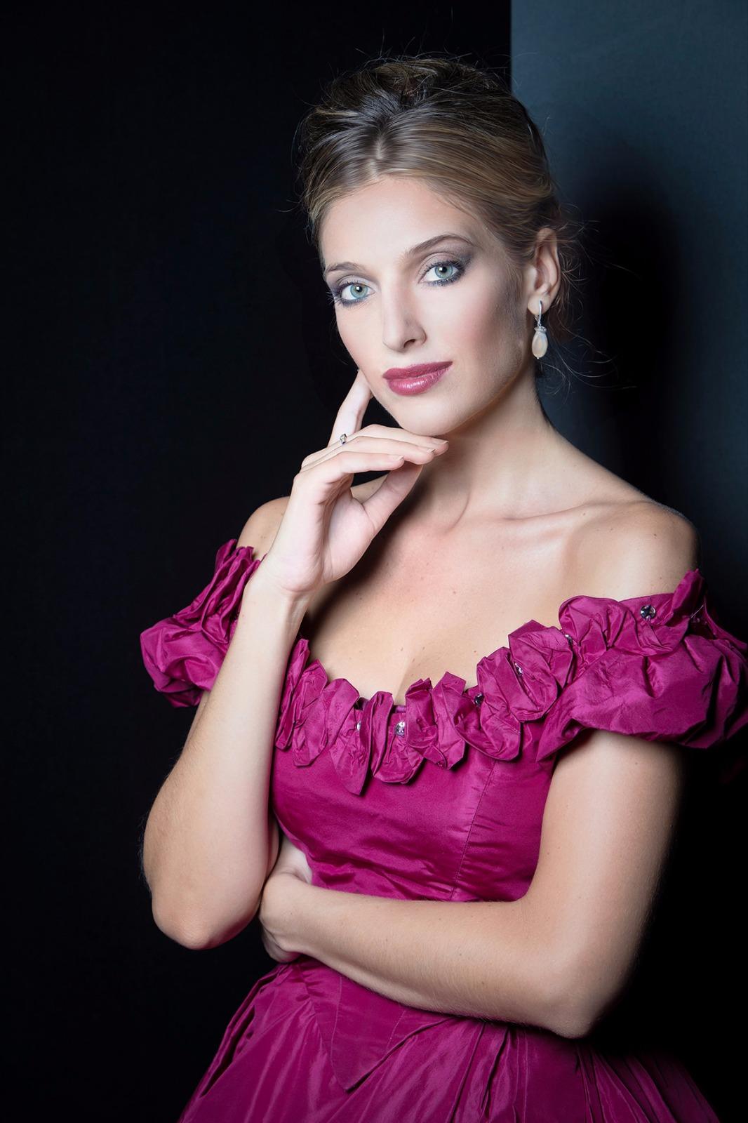 Ilaria   modella: Ilaria Marcelli location: CsfAdams