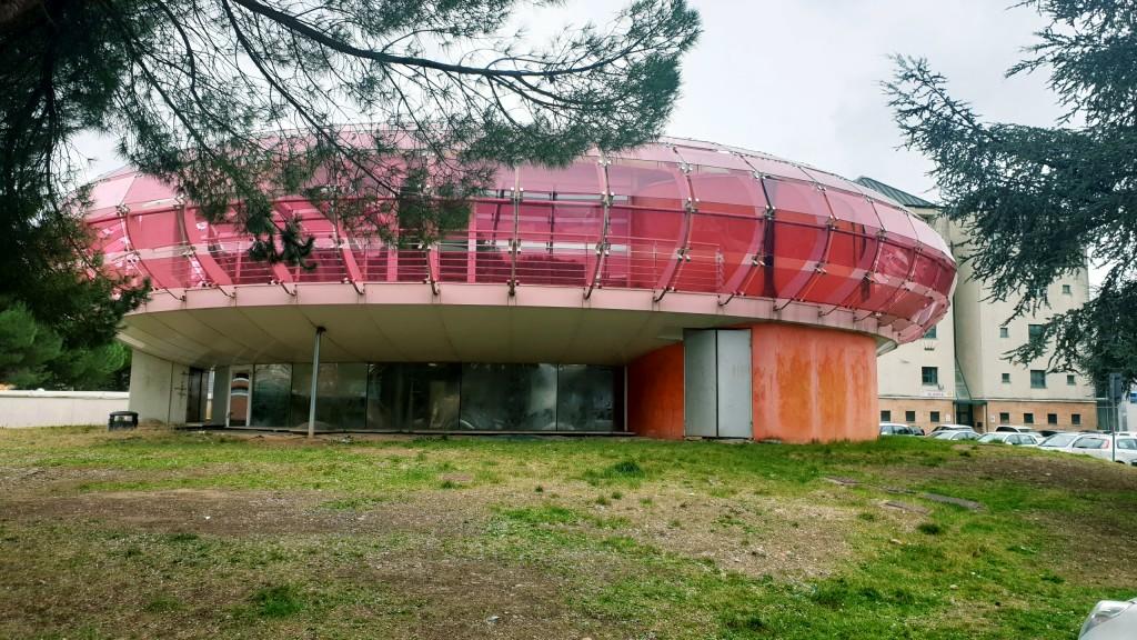 Viaggio all'interno della biblioteca Sandro Penna di Perugia, citata tra le più particolari al mondo