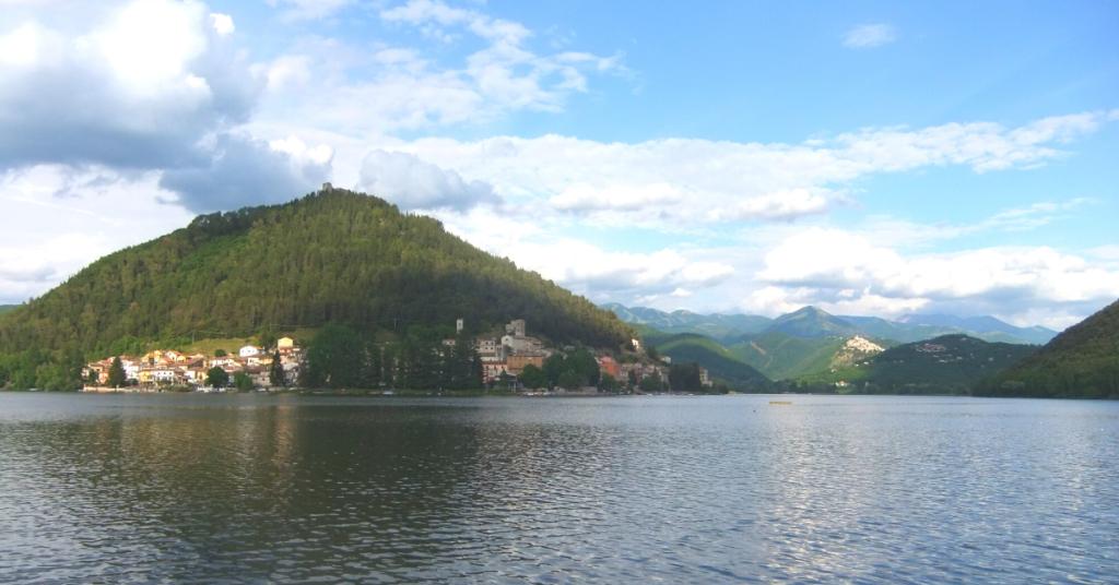 Piediluco: natura, cultura,storia,relax e sport si specchiano nel lago